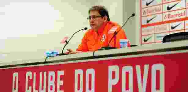 Guto Ferreira, técnico do Inter, responde cobrança com falta de tempo para treinar o time - Ricardo Duarte/Inter
