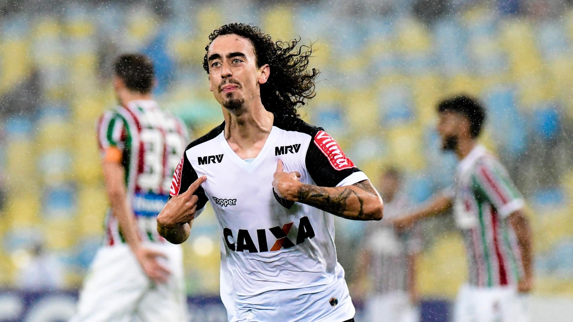 Valdivia comemora gol do Atlético-MG contra o Fluminense pelo Campeonato Brasileiro