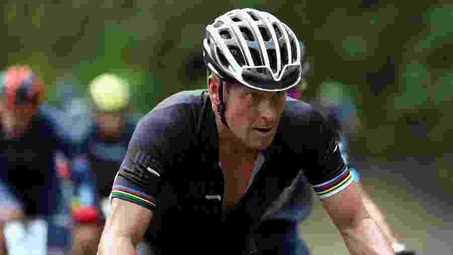 Lance Armstrong participa de corrida de bicicleta na Costa Rica - Ezra Shaw/Getty Images/AFP