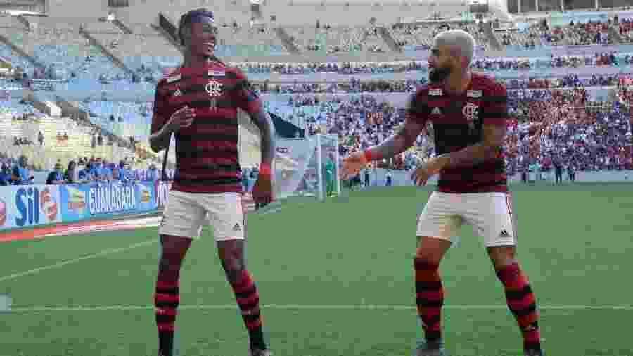 Bruno Henrique e Gabigol comemoram gol do Flamengo: cena frequente no ano - Alexandre Vidal / Flamengo