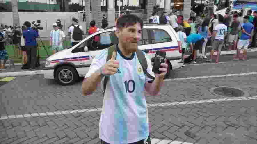Paulo Vitor Rodrigues, sósia de Lionel Messi, vendeu moto para ir a Salvador - Gabriel Carneiro/UOL