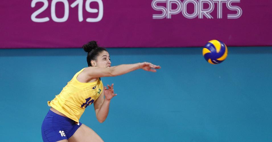 Maira durante a estreia do Brasil no vôlei feminino contra Porto Rico no Pan