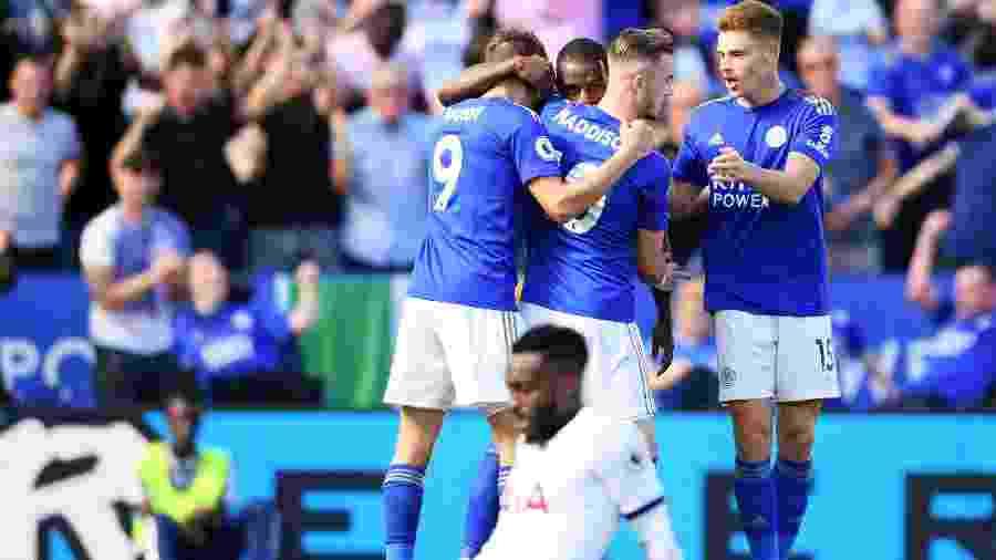 Jogadores do Leicester comemoram gol contra o Tottenham pelo Campeonato Inglês - Laurence Griffiths/Getty Images