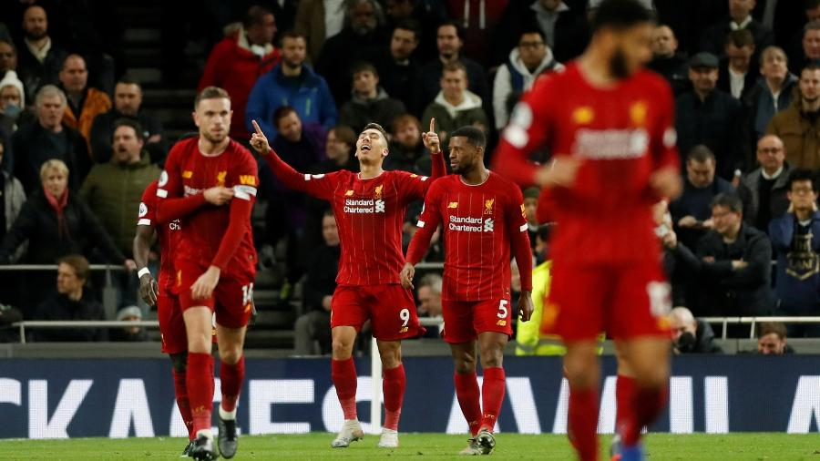 Roberto Firmino comemora gol marcado para o Liverpool contra o Tottenham - MATTHEW CHILDS/Action Images via Reuters
