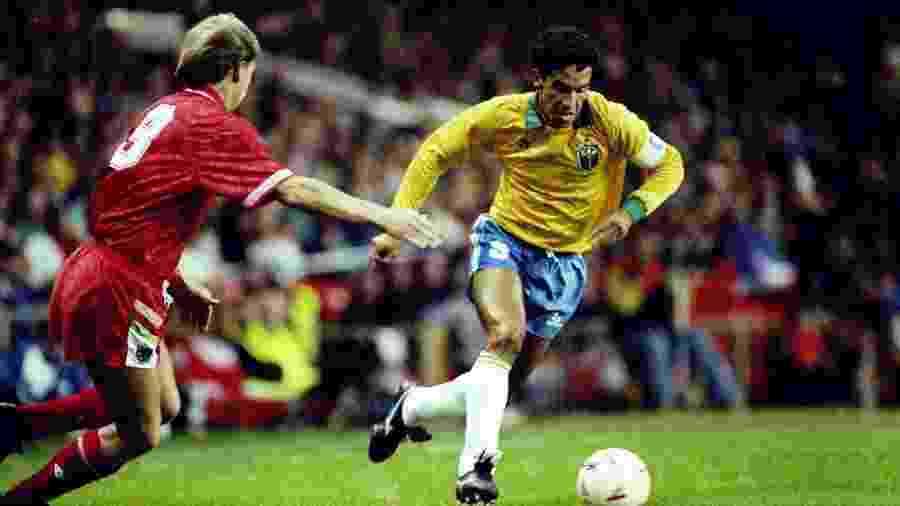 Careca em ação pela seleção brasileira durante derrota para o País de Gales em 1991; jogador foi reserva na Copa de 1982 - Russell Cheyne/Allsport