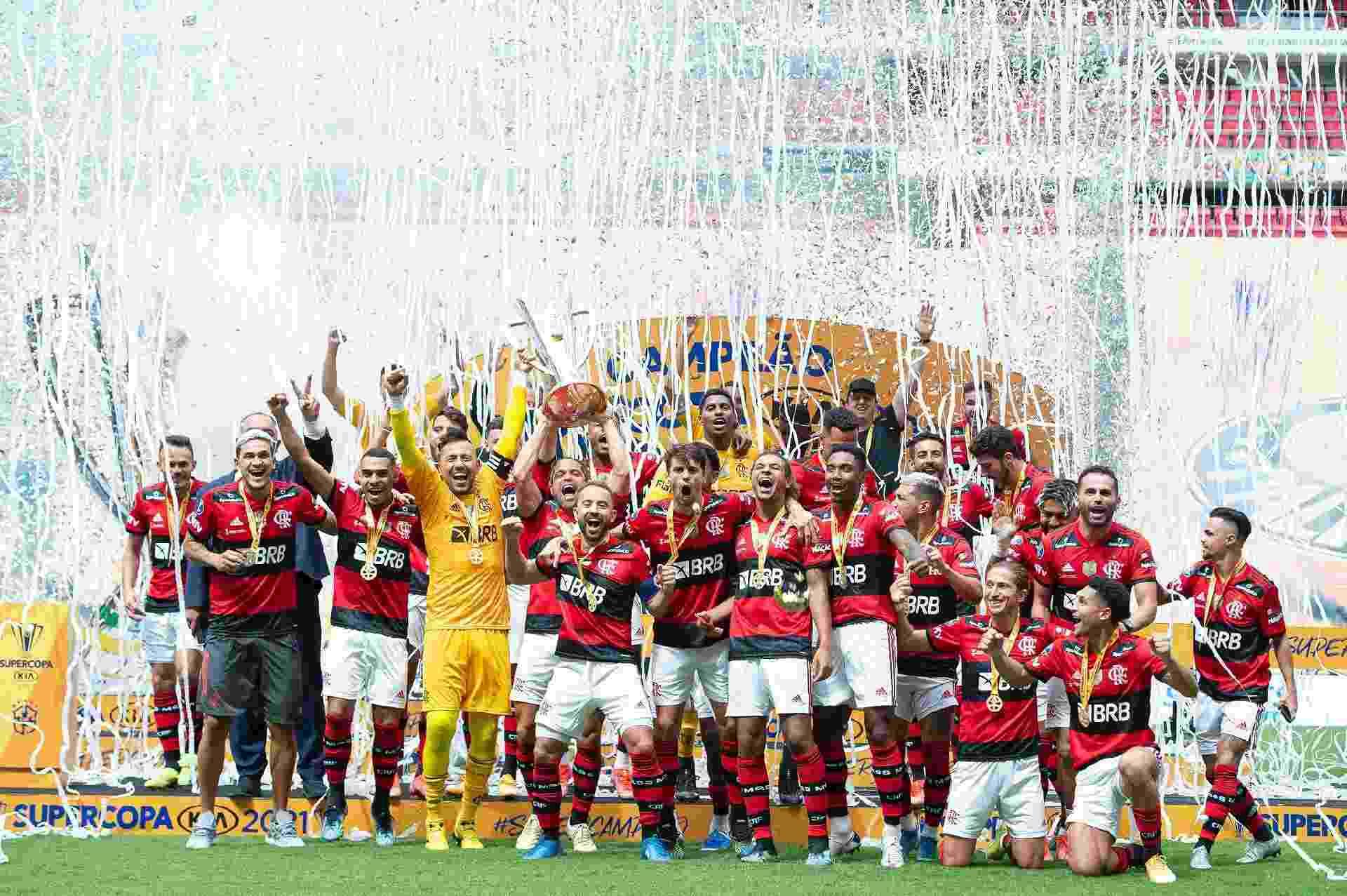 Jogadores do Flamengo celebram conquista da Supercopa do Brasil - Alexandre Vidal / Flamengo