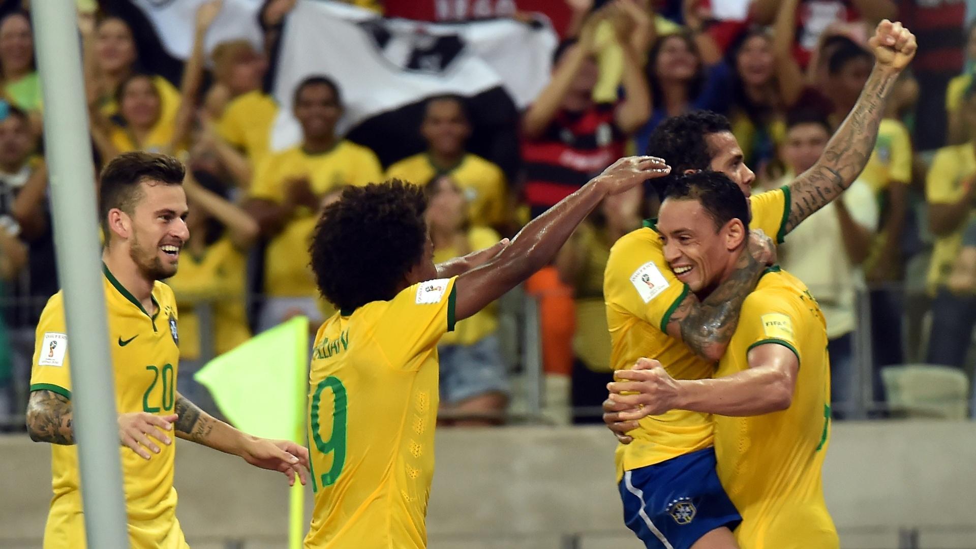 Ricardo Oliveira comemora o seu gol, o terceiro do Brasil, contra a Venezuela pelas Eliminatórias