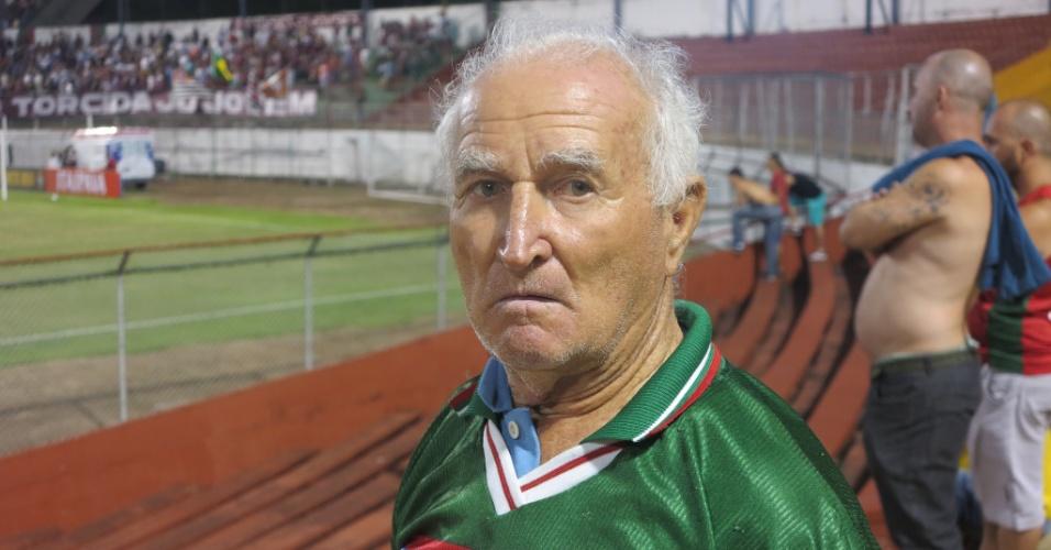 Sardinha, torcedor da Portuguesa em clássico com o Juventus no Canindé
