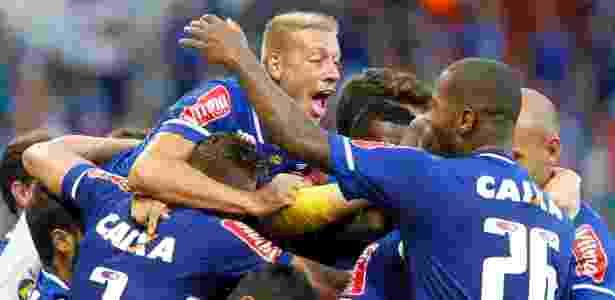 Time do Cruzeiro celebra vitória sobre o Tupi, pela terceira rodada do Mineiro - Washington Alves/Light Press/Cruzeiro