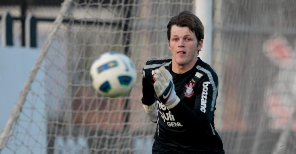 O goleiro Renan em treino do Corinthians, em 2011