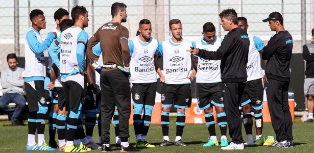 Renato Gaúcho utilizará titulares na quarta-feira e reservas no próximo sábado