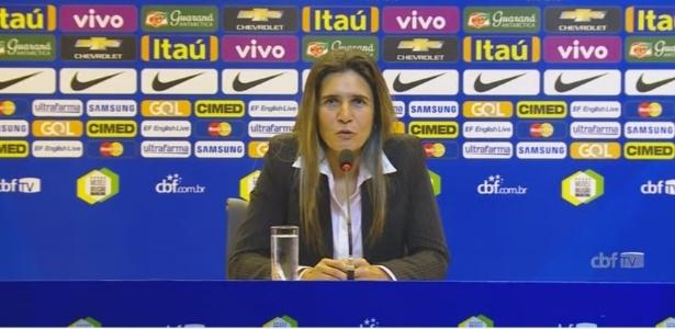 Emily Lima em coletiva na CBF; treinadora foi demitida da seleção brasileira