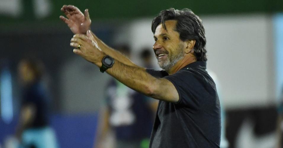 Caio Júnior celebra classificação da Chapecoense contra o San Lorenzo