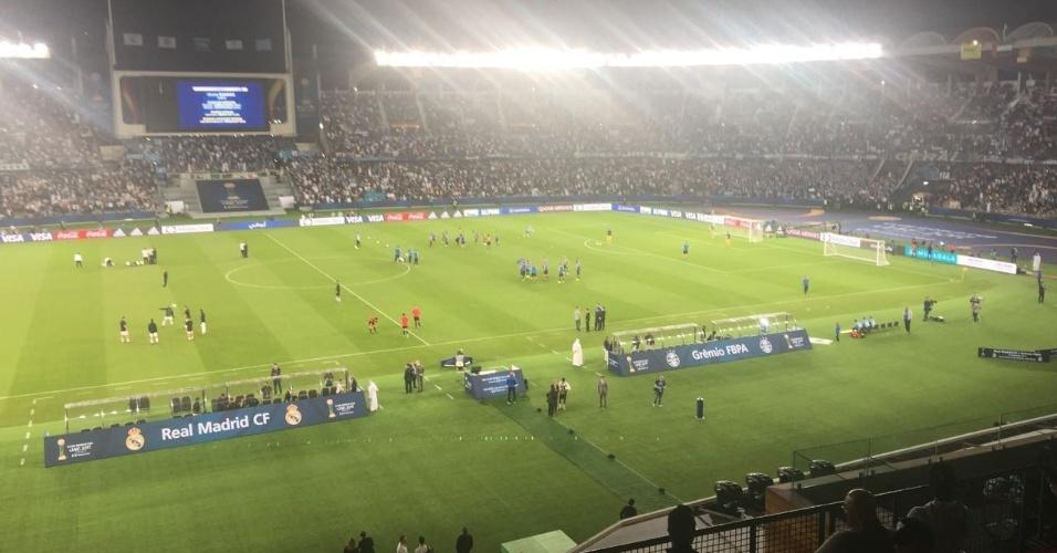 Grêmio e Real Madrid aquecem antes da final