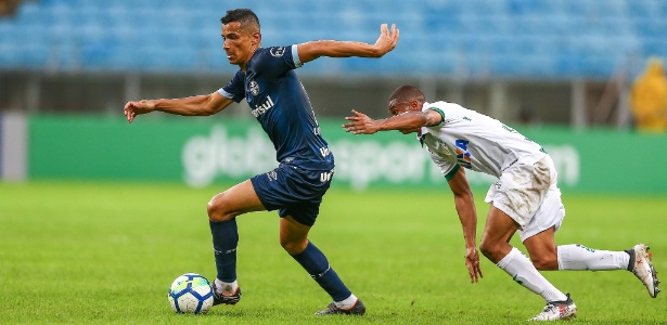 Cícero tem cinco assistências para gol na temporada. Rendimento melhorou como volante