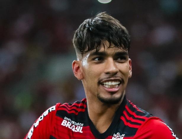 O Meia Lucas Paqueta Foi Vendido Pelo Flamengo Ao Milan Ita Por  Milhoes De