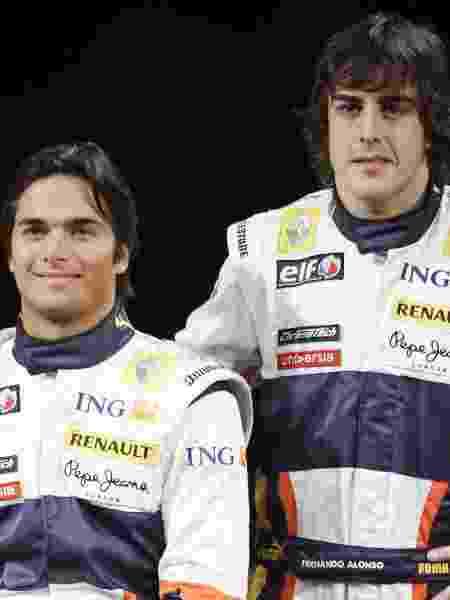 Nelsinho Piquet ao lado de Alonso na Renault: sem o sucesso do pai - Rubio/EFE - Rubio/EFE