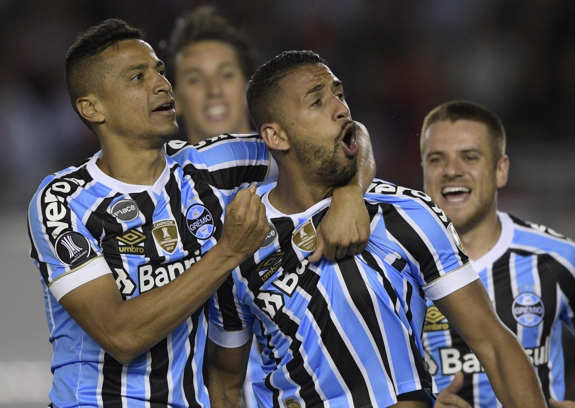 Assista aos melhores momentos de River Plate x Grêmio - 24 10 2018 - UOL  Esporte 3e63af9b31f1b
