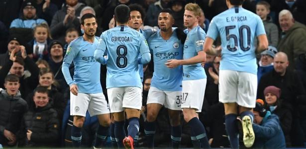 Em casa, Manchester City não teve dificuldades diante do Burton Albion - Paul Ellis/AFP