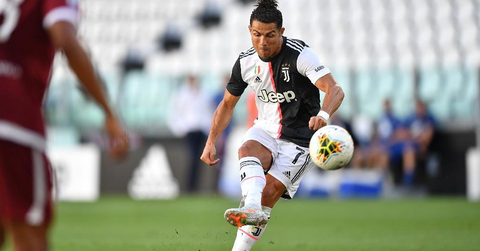 Cristiano Ronaldo faz primeiro gol de falta pela Juventus contra o Torino
