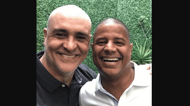 Marcos ao lado de Marcelinho Carioca - Reprodução - Reprodução