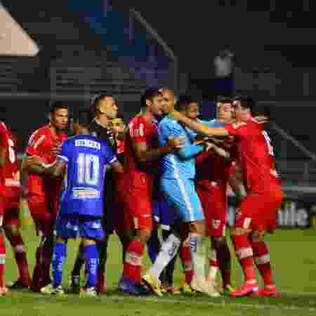 Jogo de quarta entre CSA e CRB no Campeonato Alagoano pode ter disseminado o coronavírus - Bruno Fernandes/Jornal Extra Alagoas