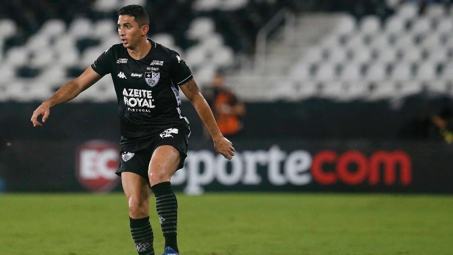 Danilo Barcelos em ação pelo Botafogo; jogador tem acerto encaminhado com o Fluminense - Vitor Silva/BFR