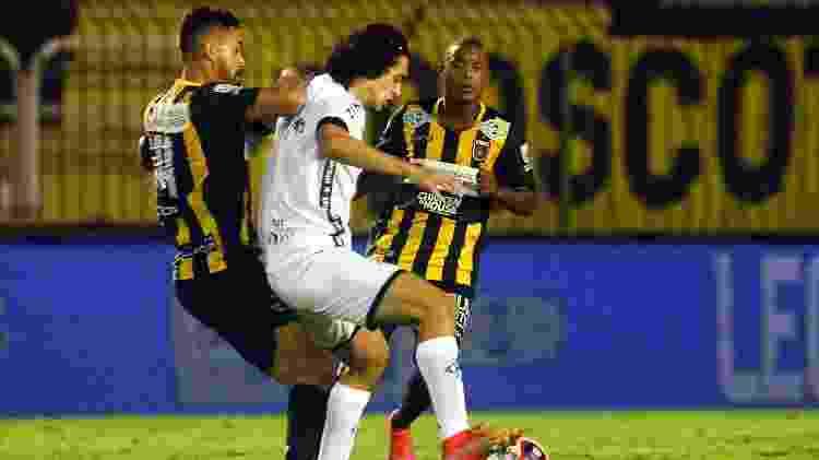 Matheus Nascimento, atacante do Botafogo, em ação contra o Volta Redonda - Vitor Silva/Botafogo - Vitor Silva/Botafogo