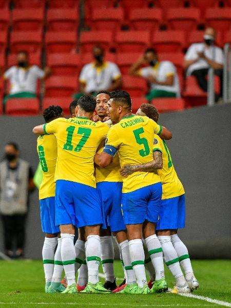 Jogadores da seleção brasileira celebram gol sobre a Venezuela, na estreia na Copa América - Mateus Bonomi/AGIF