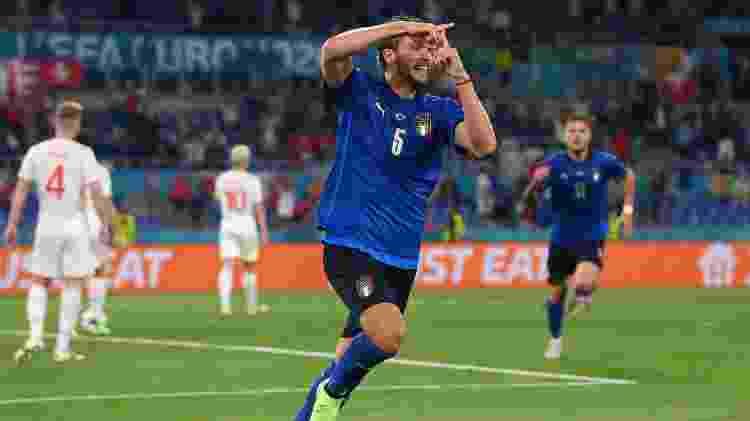 Manuel Locatelli comemora gol da Itália contra a Suíça, pela segunda rodada da Eurocopa - Getty Images - Getty Images