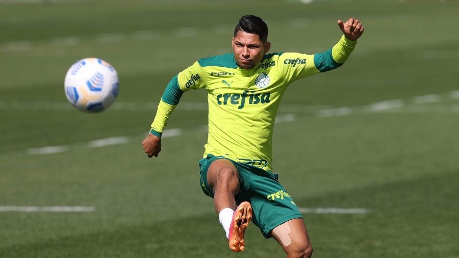 Rony, atacante do Palmeiras, em treino na Academia de Futebol - Cesar Greco