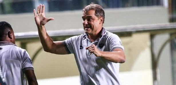 Diego Aguirre comemorou bastante o triunfo do Atlético-MG sobre o Santos