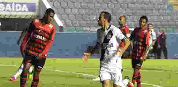 Nenê comemora seu gol pelo Vasco, marcado aos 23 segundos do primeiro tempo - Carlos Gregório Júnior / Site oficial do Vasco