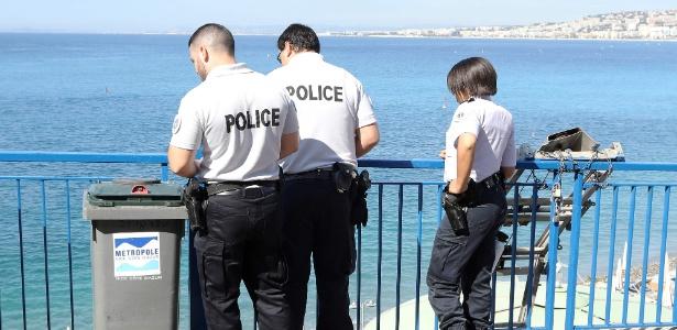 Local onde torcedor da Irlanda do Norte caiu na madrugada desta segunda, em Nice