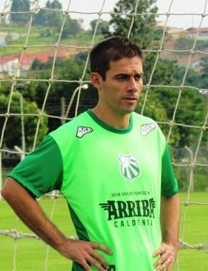 Marcelinho, zagueiro ex-Flamengo, defenderá a Caldense no Campeonato mineiro