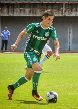 O atacante Aníbal marcou seis vezes na goleada sobre o São José