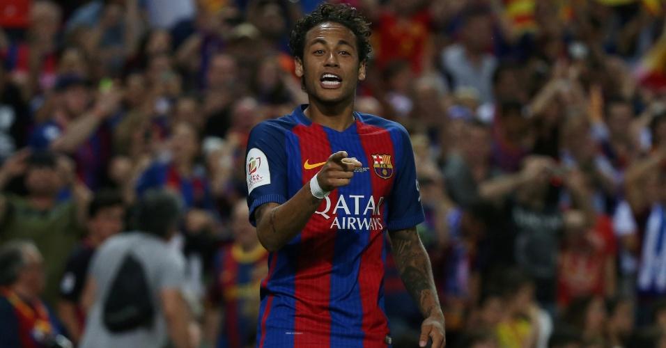 Neymar comemora gol para o Barcelona contra o Alavés