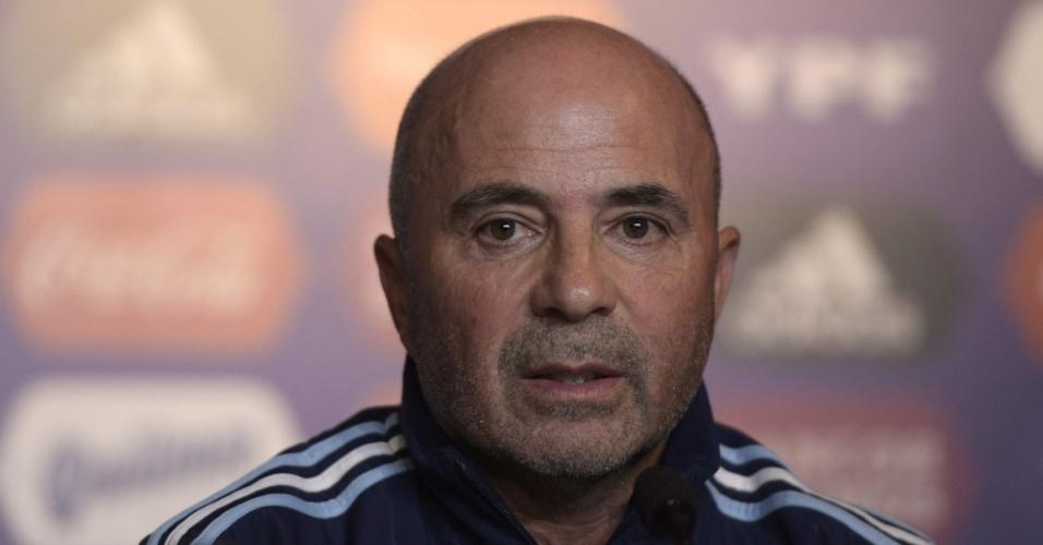 Jorge Sampaoli fará estreia na seleção argentina contra o Brasil