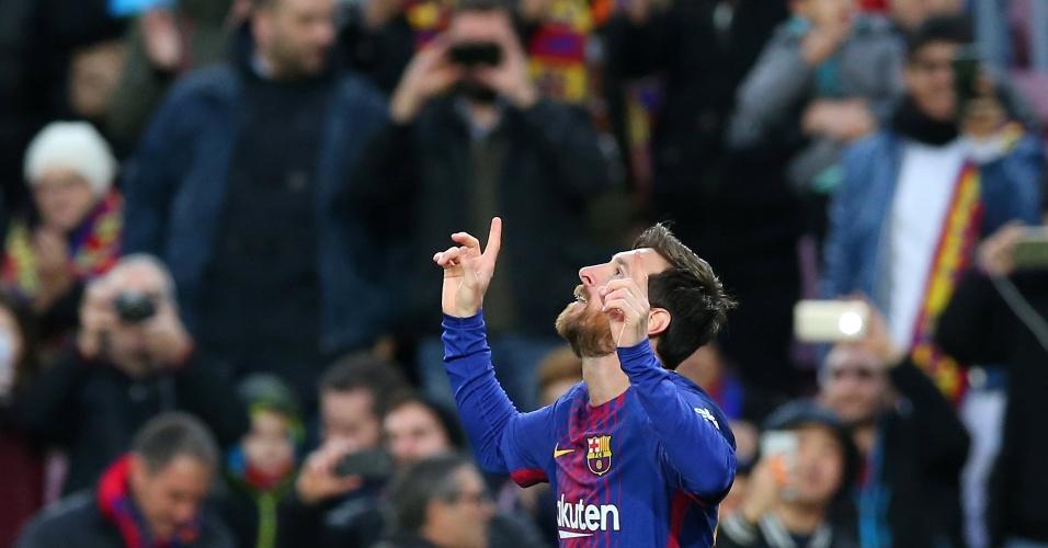 Messi comemora após marcar para o Barcelona contra o Levante