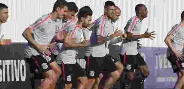 Jogadores do Corinthians trabalham na última terça para duelo com o Colo-Colo - Daniel Augusto Jr/Agência Corinthians