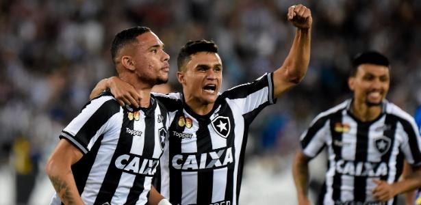 Luiz Fernando tem apresentado bom futebol e comanda time do Botafogo na temporada - Thiago Ribeiro/AGIF