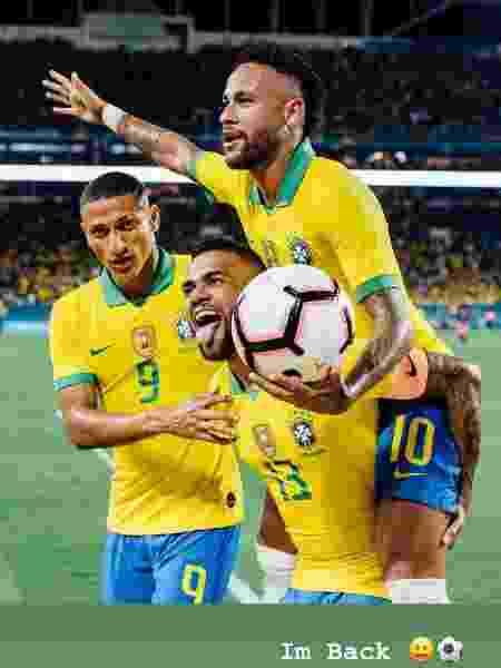 """Neymar escreve que """"está de volta"""" em mensagem no Stories do Instagram - Reprodução"""