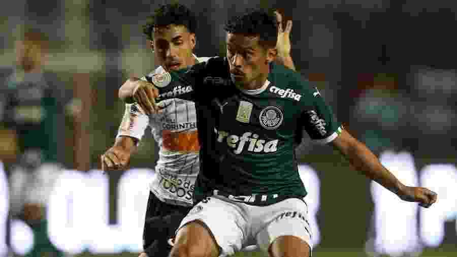 Gustavo Scarpa e Gabriel durante clássico Palmeiras x Corinthians - Cesar Greco/Ag. Palmeiras/Divulgação