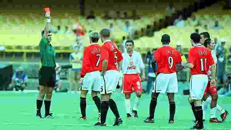 Beckham é expulso de campo durante o Mundial 2000 - Ana Carolina Fernandes/Folhapress - Ana Carolina Fernandes/Folhapress