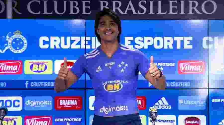 Atacante Marcelo Moreno foi apresentado oficialmente no Cruzeiro e chega para sua terceira passagem pelo clube - Bruno Haddad/Cruzeiro