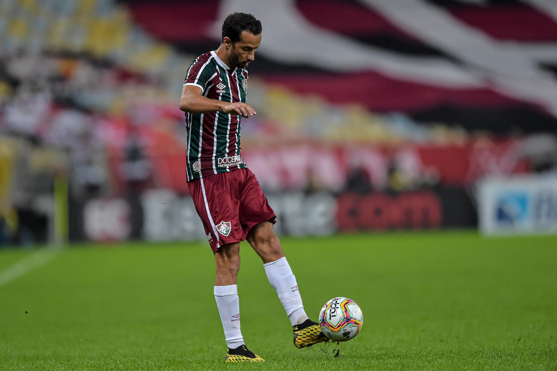 Nenê, jogador do Fluminense, em ação na final do Carioca 2020 contra o Flamengo