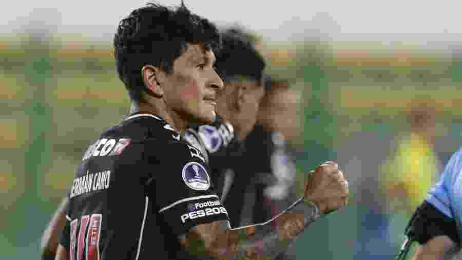 Germán Cano marcou o gol do Vasco no empate em 1 a 1 com o Defensa y Justicia pela Copa Sul-Americana - Daniel Jayo / POOL / AFP