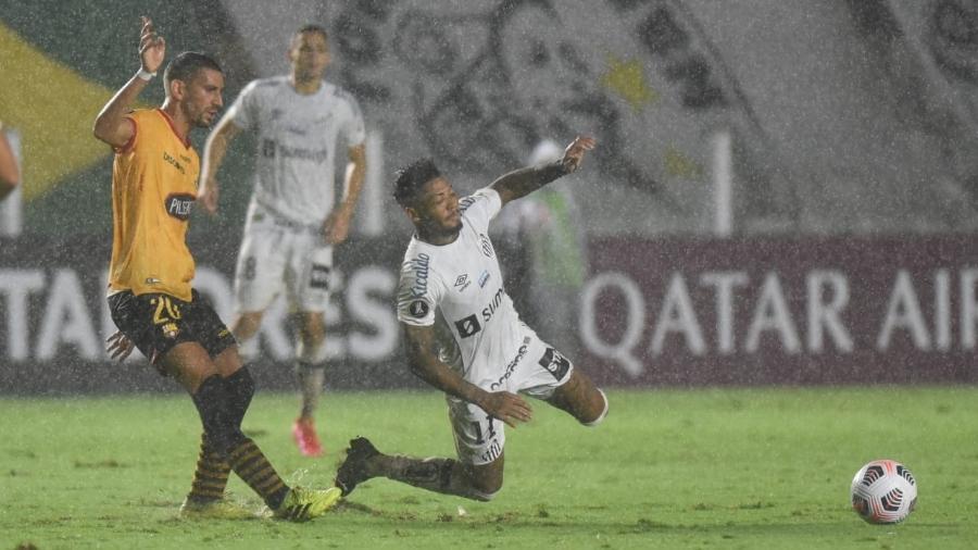 Marinho pelo Santos na derrota por 2 a 0 para Barcelona de Guayaquil - Ivan Storti