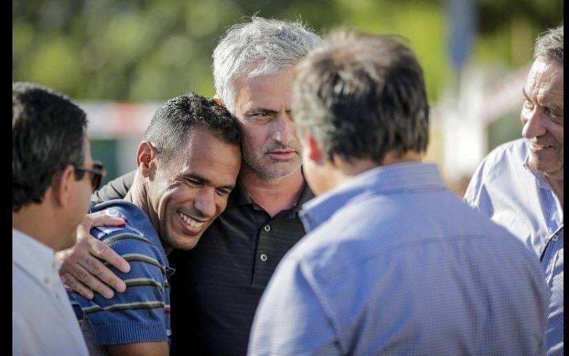 Maciel, ex-Porto, e o técnico Jose Mourinho