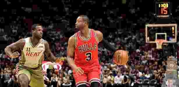 Dwyane Wade em ação pelo Chicago Bulls durante jogo com o Miami Heat - Steve Mitchell/USA TODAY Sports